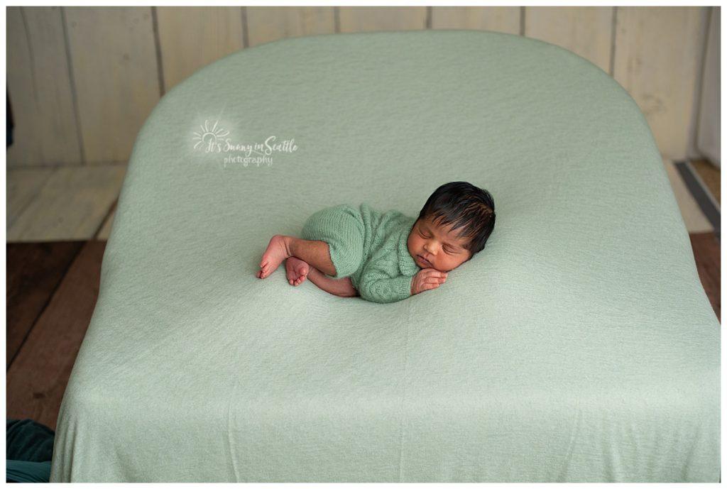 DIY Seattle Newborn Photographer